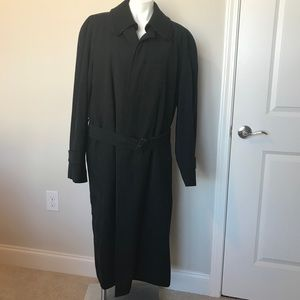 Burberry trench coat size 44R